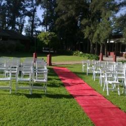 sillas-y-alfombra-para-ceremonia